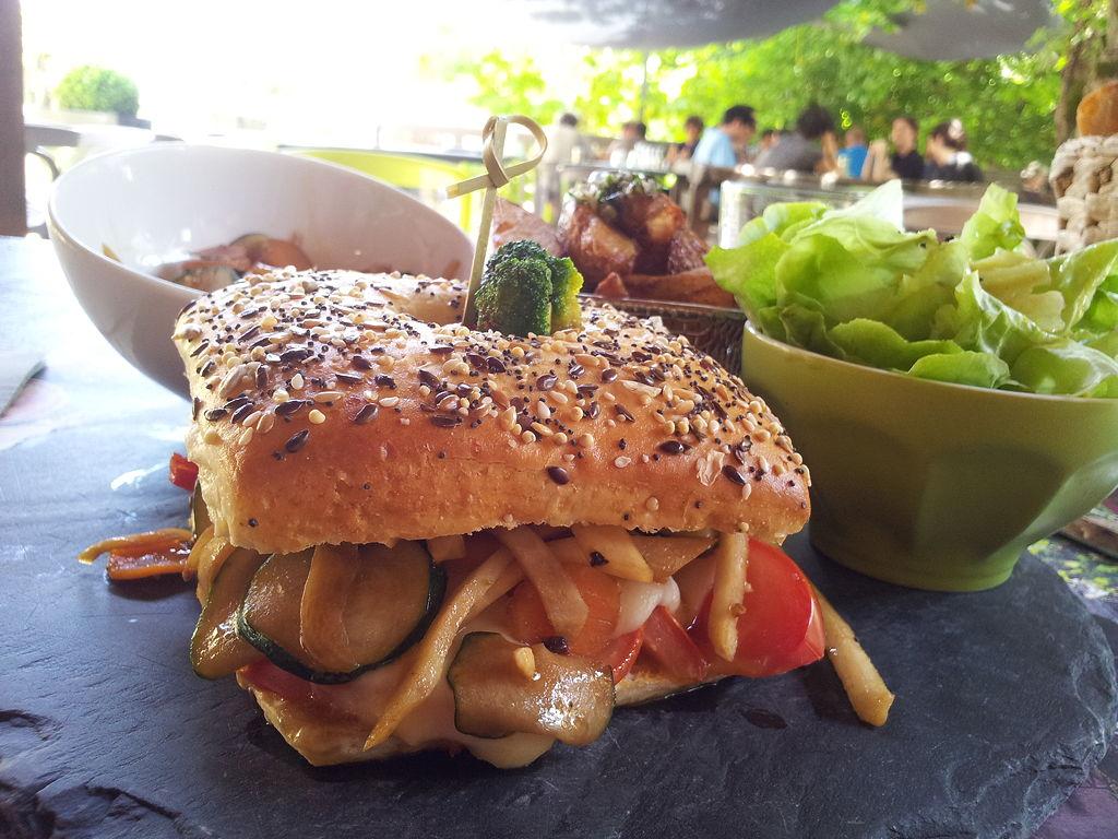 oasis-guinguette-hamburger